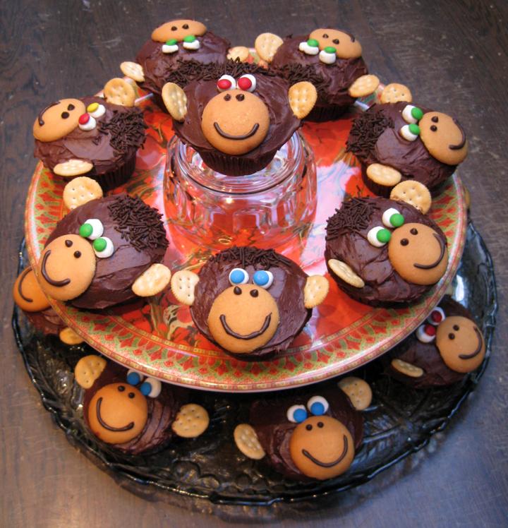 Easy Monkey Cupcakes
